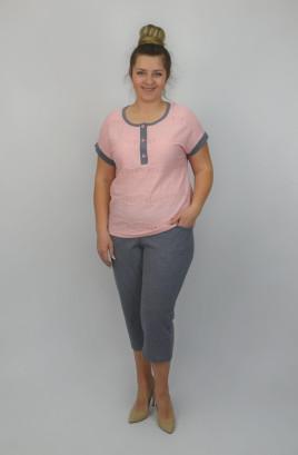 Костюм капри + футболка спущенное плечо с однотонной отделкой